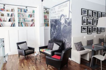 Corner seating and panelling Homan's Kitchen Cafe Sherrard Design